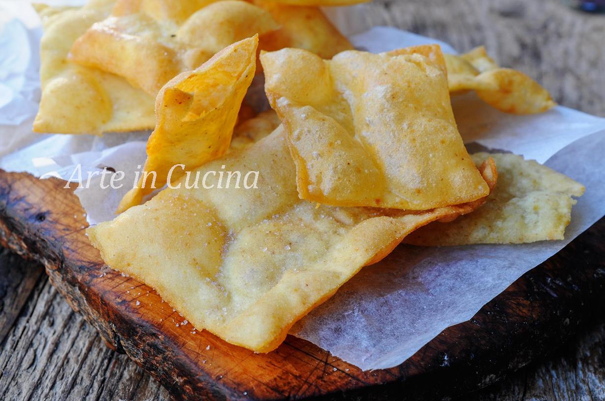 Sfoglie di pane croccanti fritte alla paprica chips veloci vickyart arte in cucina