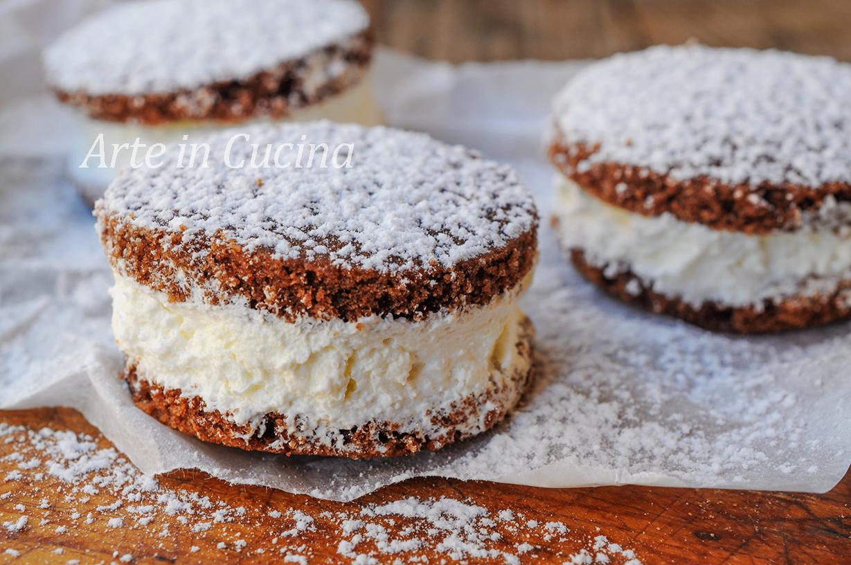 Whoopie pies alla panna dolci facili e veloci arte in cucina for Ricette dolci facili e veloci