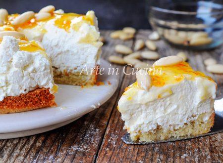 Cheesecake amaretto sardo e mandorle dolce veloce