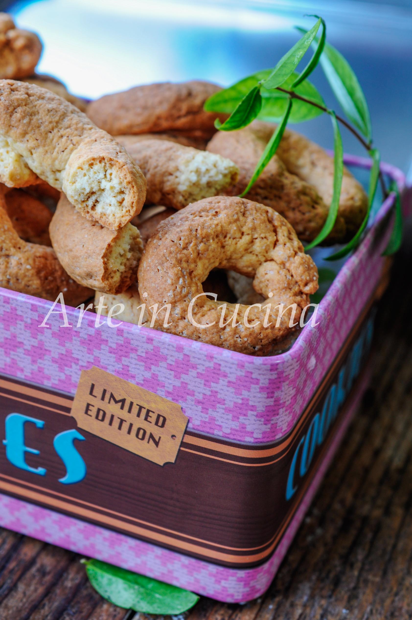 Ciambelline sarde al mirto e cannella biscotti veloci vickyart arte in cucina