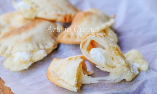 Mezzelune ai formaggi con sfoglia senza burro