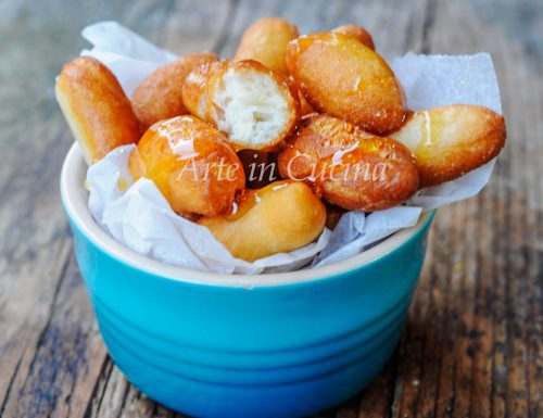 Vecchiarelle calabresi dolci fritti al miele