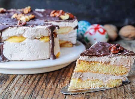 Torta alle noci e cioccolato con savoiardi