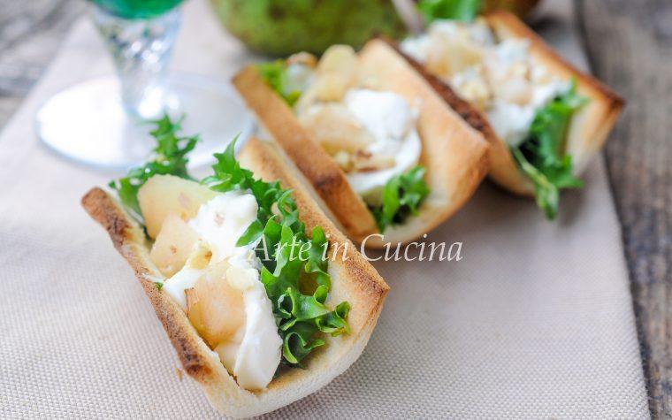 Barchette di pane gorgonzola pere e noci