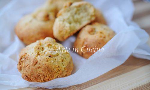 Biscotti di pandoro e nocciole veloci