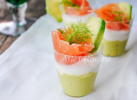 Mousse di avocado e salmone antipasto
