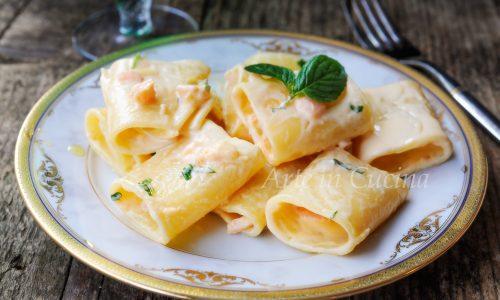 Paccheri al salmone e panna ricetta veloce