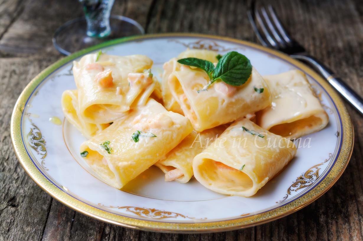 Paccheri al salmone e panna ricetta veloce vickyart arte in cucina