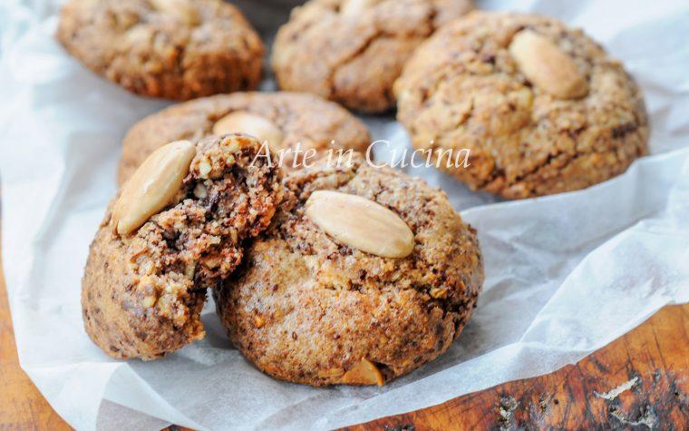 Schegge mandorle e cioccolato biscotti