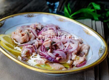 Salmone marinato con cipolla rossa