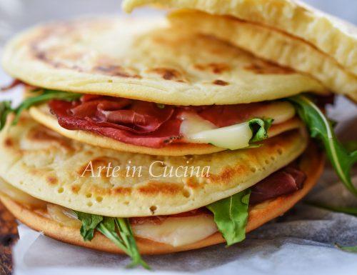 Pancakes alla ricotta farciti ricetta veloce