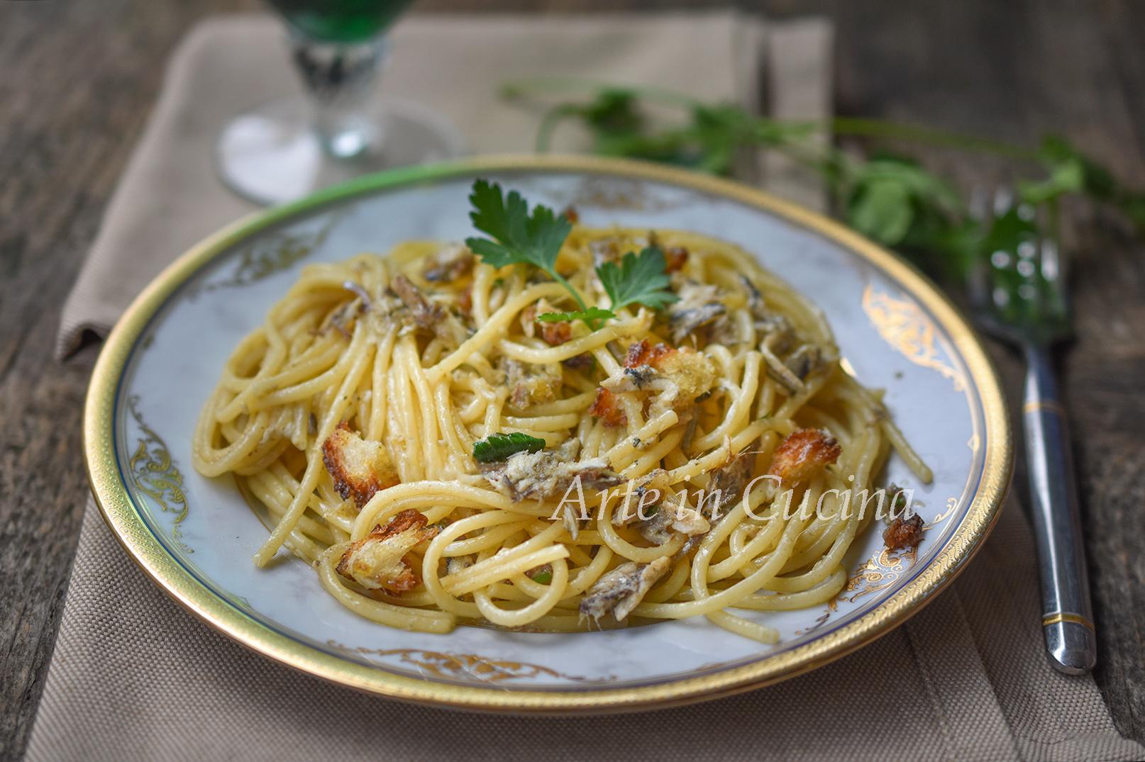 Spaghetti con alici e mollica velocissimi vickyart arte in cucina
