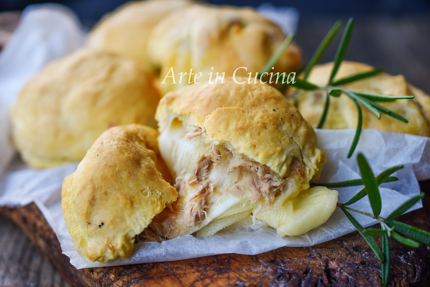 Focaccine furbe patate tonno e provola vickyart arte in cucina