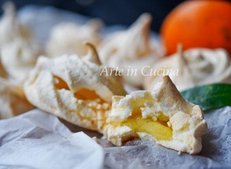 Meringhe con arancia ripiene di crema