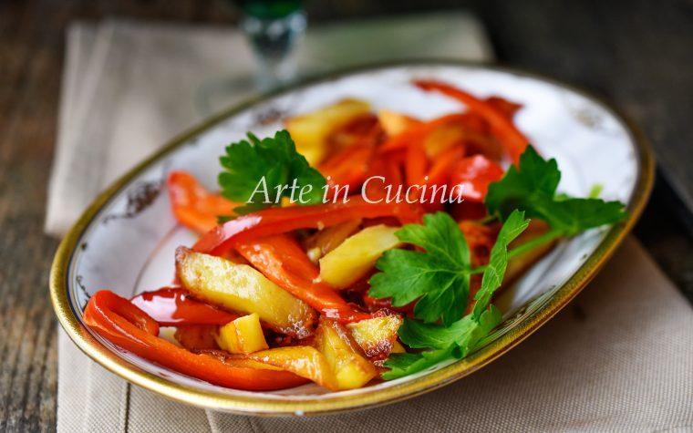 Peperoni e patate in padella veloci