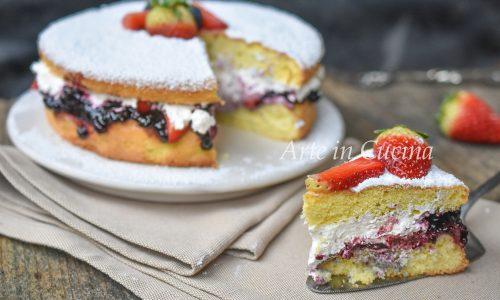 Torta panna fragole e marmellata 10 minuti