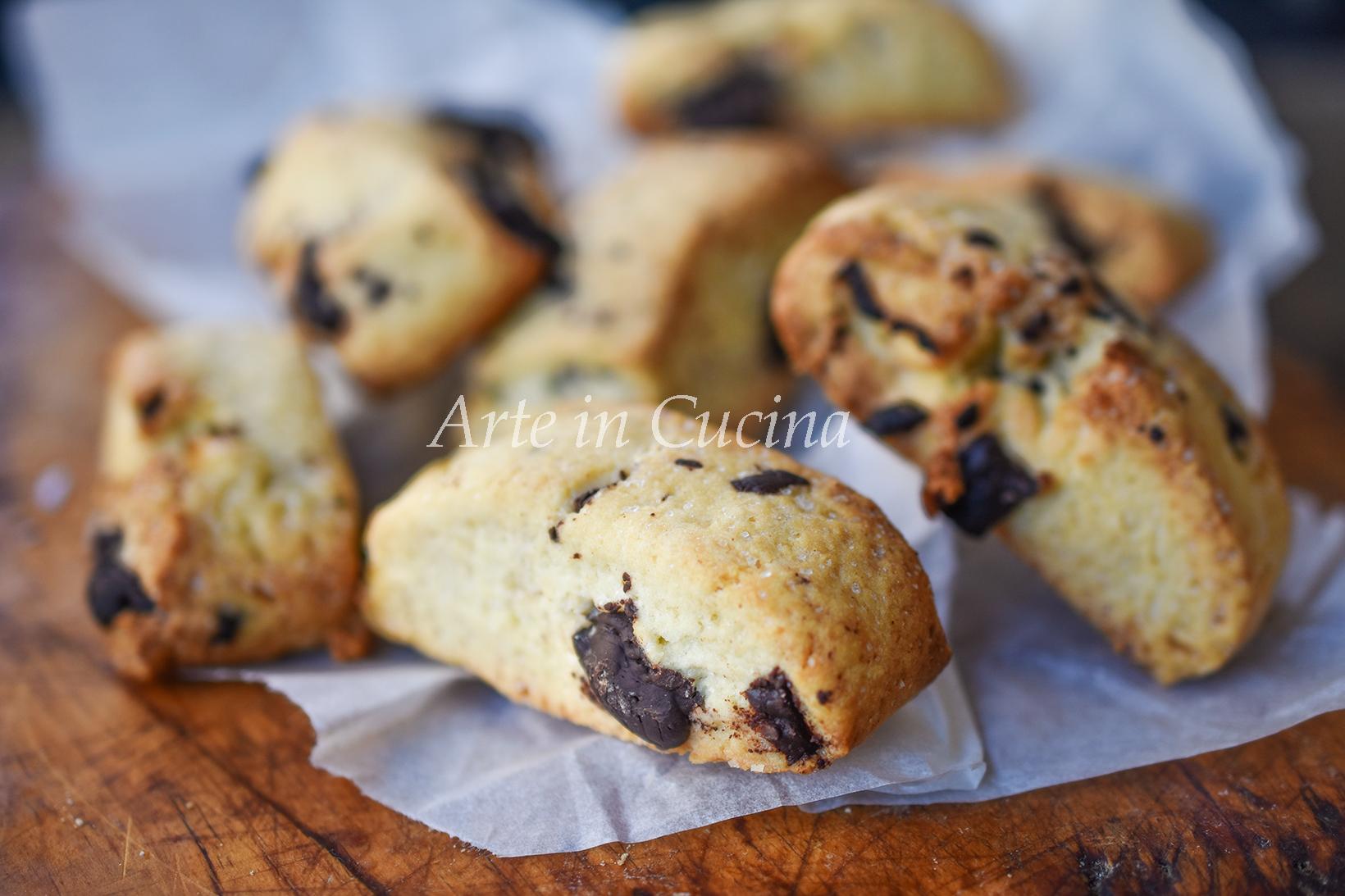 Biscotti Di Natale 1 Uovo.Biscotti Con Cioccolato Delle Uova Di Pasqua Pasticcini Golosi