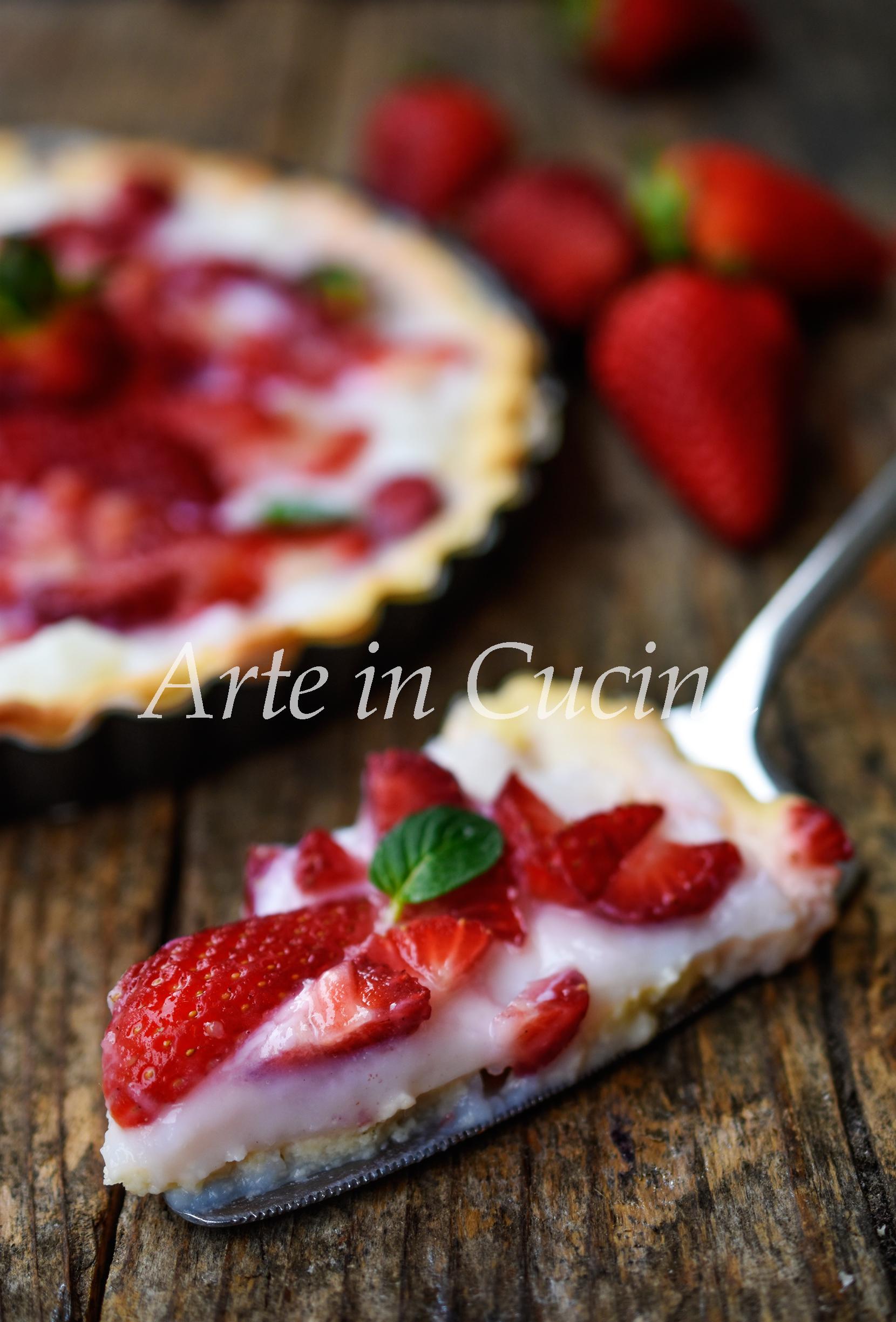 Crostata fragole e crema al latte di mandorle vickyart arte in cucina