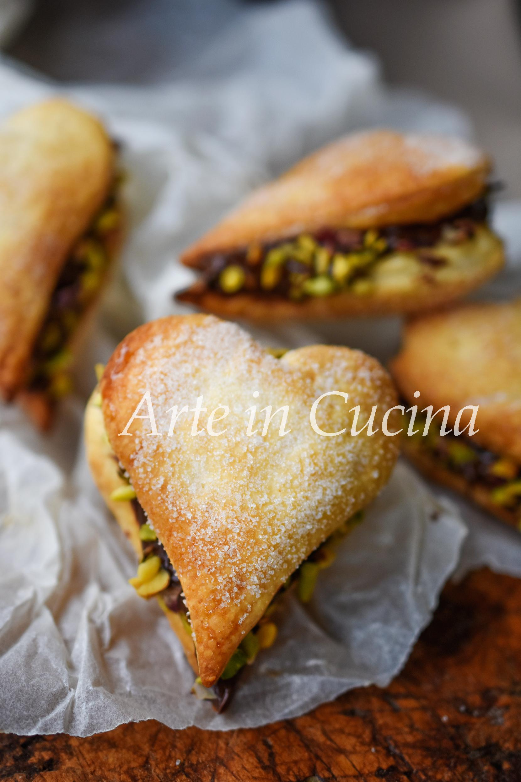 Cuori di sfoglia alla nutella dolci veloci vickyart arte in cucina