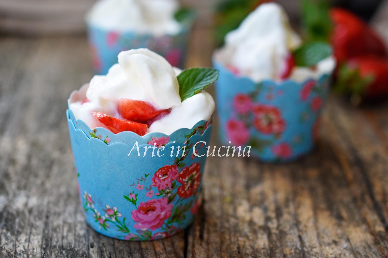 Gelato fiordilatte senza panna con fragole con o senza gelatiera vickyart arte in cucina