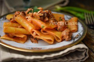 Paccheri cremosi funghi e salsiccia vickyart arte in cucina