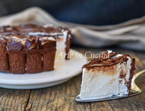 Torta di pavesini al cacao e crema al latte
