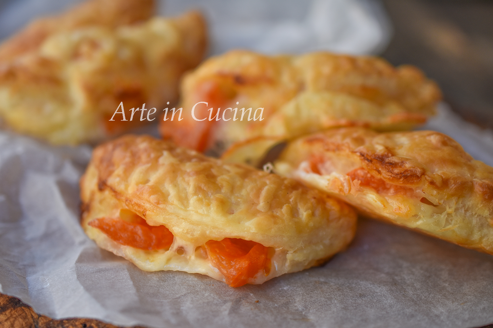 Panzarotti alla caprese ricetta veloce con la pasta sfoglia vickyart arte in cucina