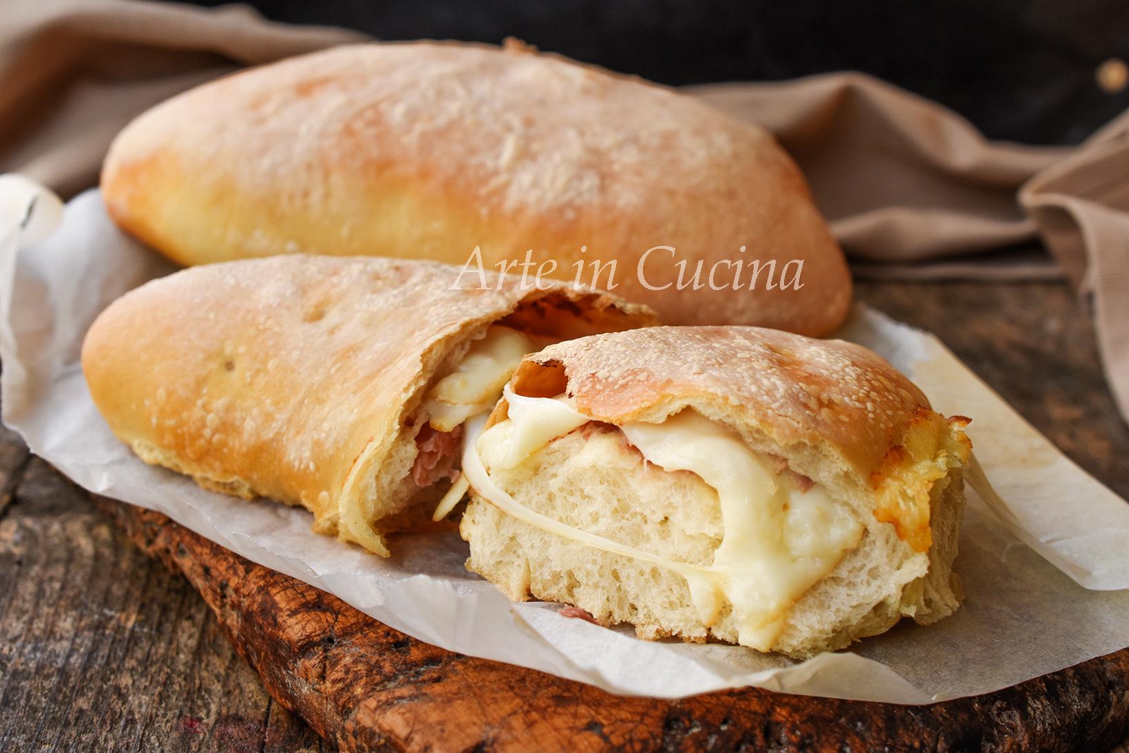Pizza calzone ripiena speck e formaggio ricetta soffice vickyart arte in cucina