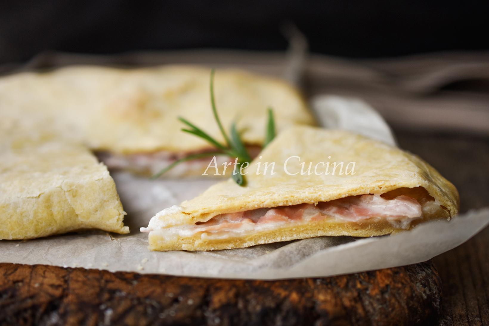Schiacciata stracchino e prosciutto ricetta torta salata veloce vickyart arte in cucina