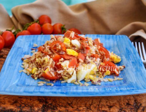 Fantasia di riso in insalata con salmone