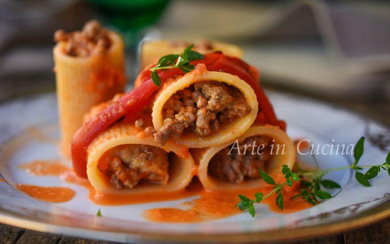 Paccheri con crema di peperoni ripieni
