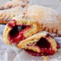 Panzerotti alle amarene ricetta biscotti ripieni facili vickyart arte in cucina