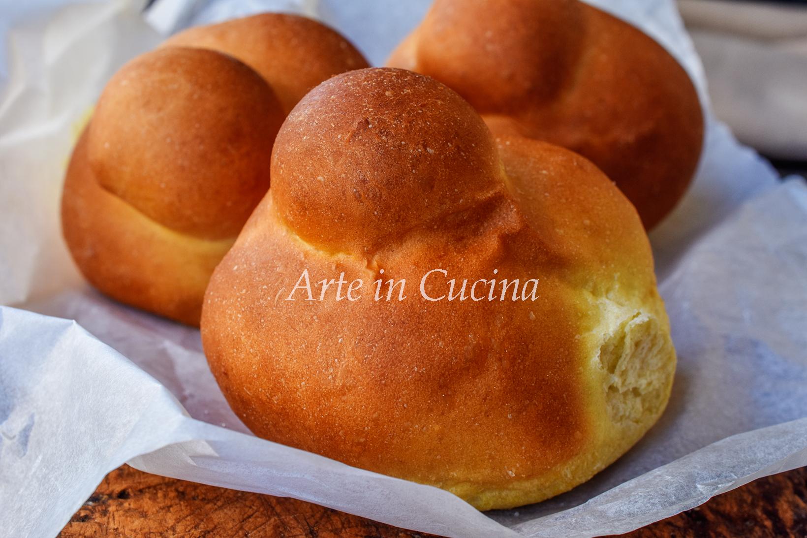 Brioche col tuppo sofficissime ricetta siciliana