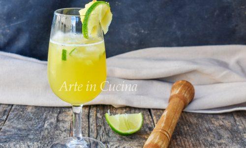Caipiroska all'ananas drink anche analcolico dissetante