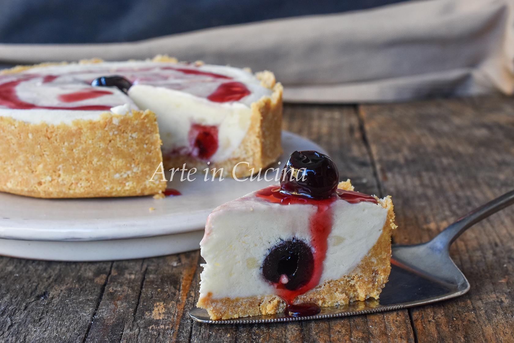 Cheesecake pasticciotto crema e amarene dolce freddo