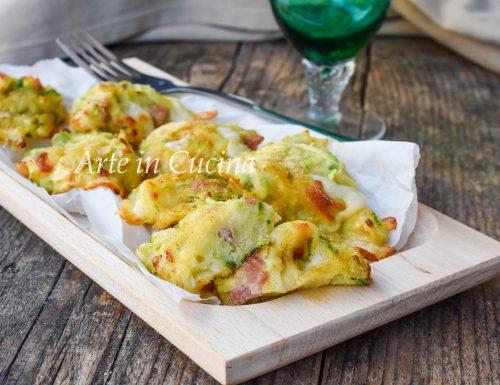 Frittelle di zucchine e speck al forno velocissime