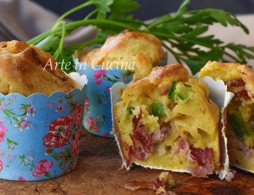 Muffin speck e zucchine ricetta salata