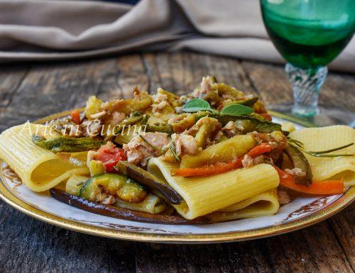 Paccheri con verdure e tonno ricetta veloce