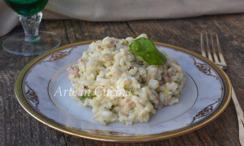 Risotto al pesto di zucchine e tonno