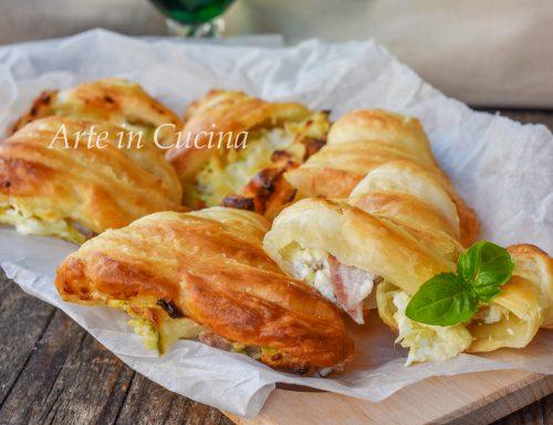 Sfogliatelle salate veloci con zucchine e formaggio