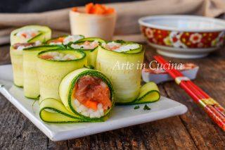 Sushi all'italiana con salmone ricetta veloce e zucchine