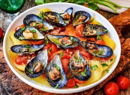 Cozze e patate ricetta napoletana facile