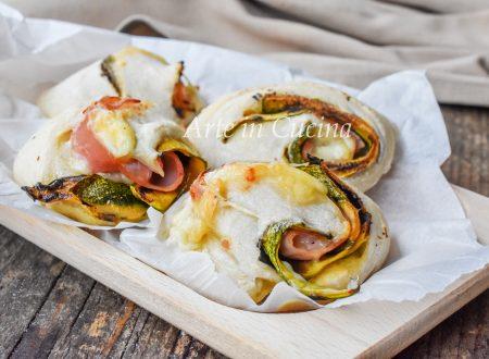 Girelle di pizza con zucchine e prosciutto sofficissime