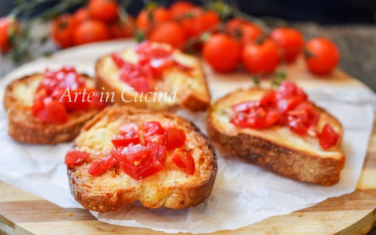 Bruschette al pomodoro antipasto tipico