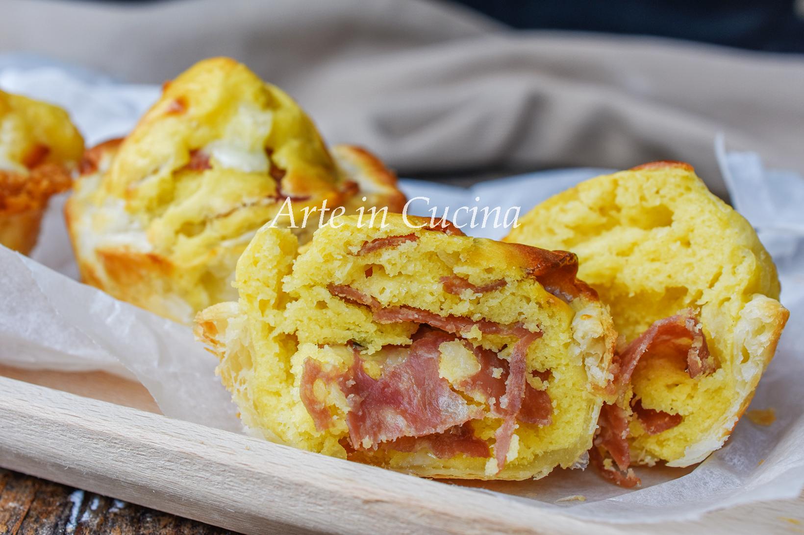 Muffin al salame in guscio di sfoglia veloci