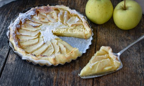 Torta sfogliata alle mele e crema