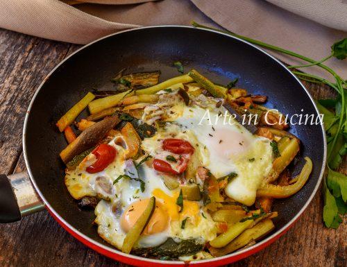 Uova con verdure in padella ricetta leggera