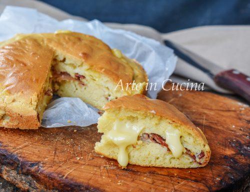 Focaccia senza impasto speck e formaggio