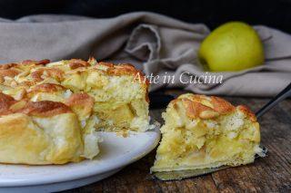 Torta dei nonni con sfoglia crema e mele