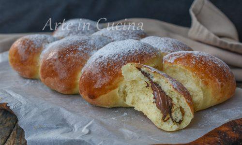 Pan brioche all'olio con nutella
